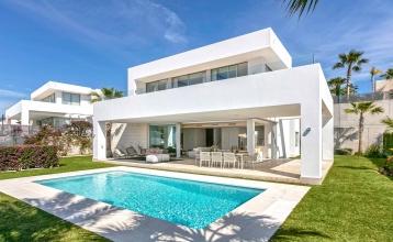 Modern villas in Rio Real, Marbella Marbella